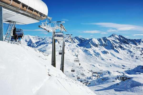 Students Brawl With German's On Austrian Ski Lift